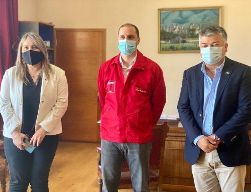 Ministro Jaime Bellolio se reúne con alcalde de Limache para realizar conversatorio en terreno sobre proceso constituyente.