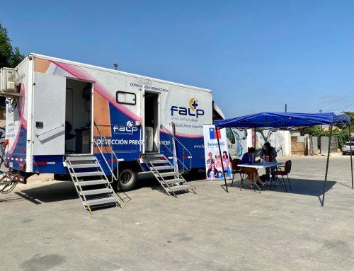 Mujeres de Limache se realizan mamografías gratis