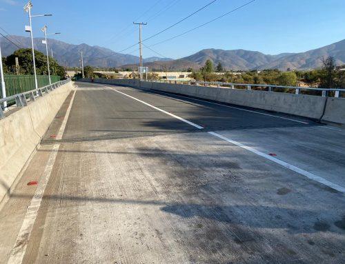 Autoridades locales dan inicio al acceso vehicular en el esperado Puente Los Leones.
