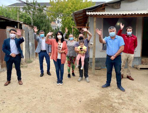 Ministra Karla Rubilar visitó Limache y destacó el exitoso proceso de vacunación en la comuna.